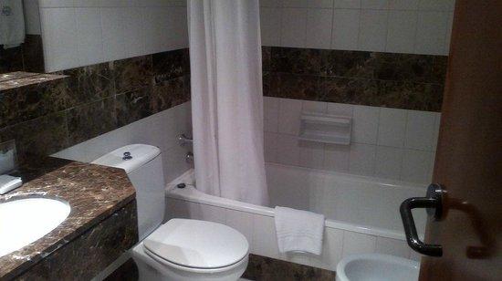 Hotel Balmes: El baño