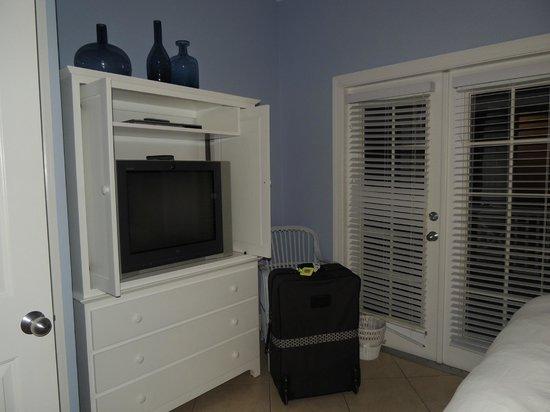 Tranquility Bay Beach House Resort: Masterbedroom-2 bedroom unit