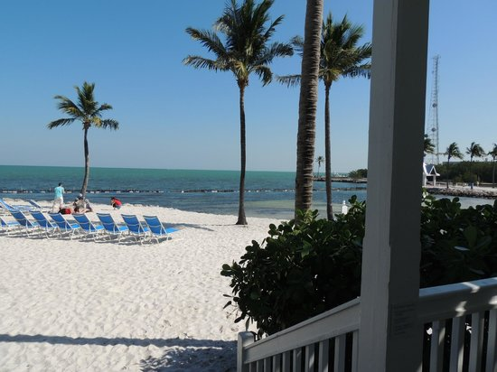 Tranquility Bay Beach House Resort: View from beach front porch