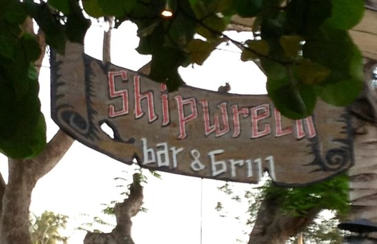 Shipwreck Bar & Grill: The sign says it all