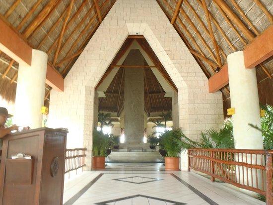 Grand Bahia Principe Coba: Lobby Coba