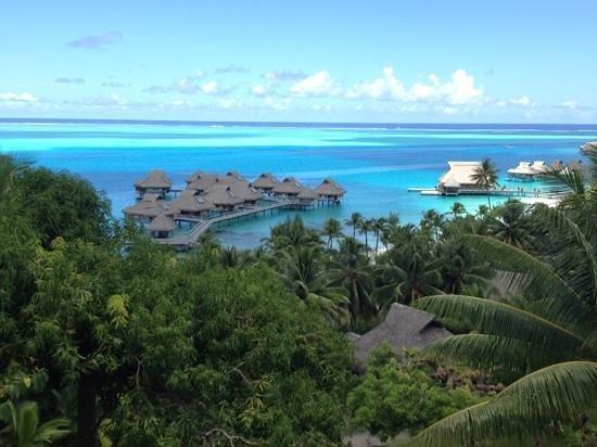 Hilton Bora Bora Nui Resort & Spa: 高台にあるスパからの景色
