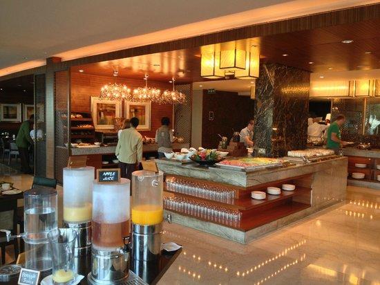 Crowne Plaza Dubai Festival City :                   Breakfast_2
