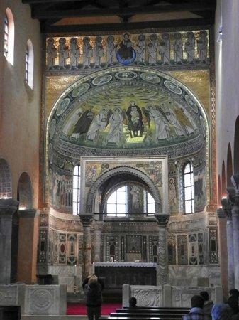 Basilique euphrasienne : Basilica