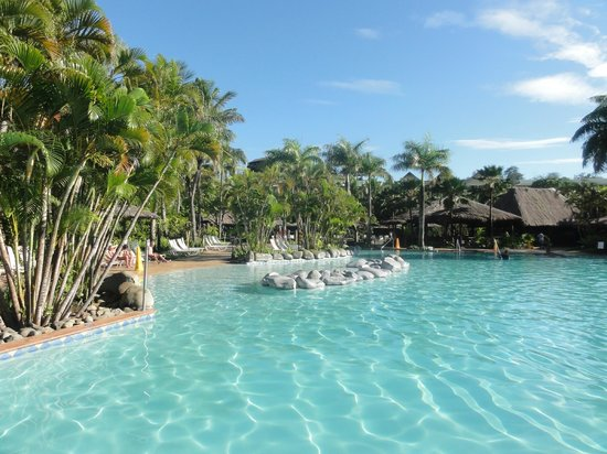 Outrigger Fiji Beach Resort:                   Beautiful Pool