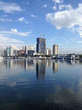 Starbucks: Skyline of Roxas Boulevard as viewed from Harbour View