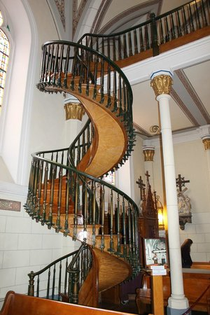 Lovely Loretto Chapel: The Floating Staircase