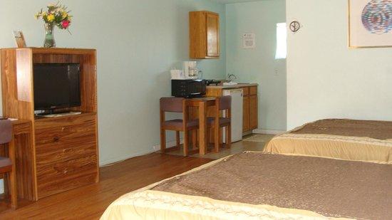 Beachwalk Inn: Room 38