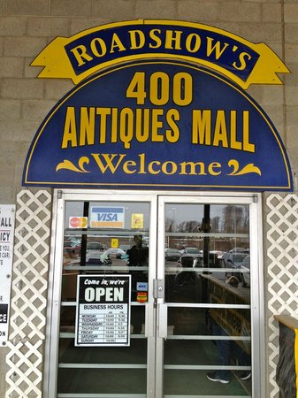 Innisfil, Canadá:                   400 Antiques Mall Entrance