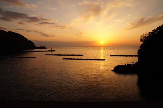 Izu Matsuzakiso : 部屋からの夕日です