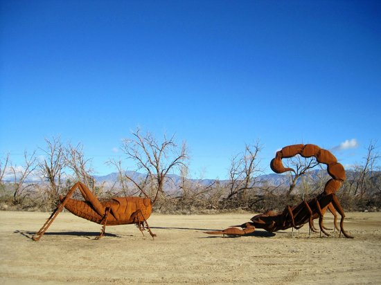 Borrego Springs, CA: Galleta Meadows Sculptures