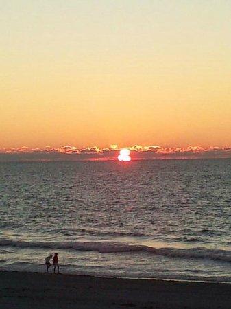 Belleair Beach Club: Sun Setting Belleair Beach