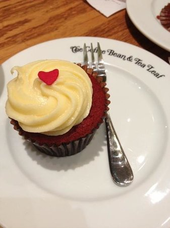 The Coffee Bean & Tea Leaf:                   red velvet cupcake