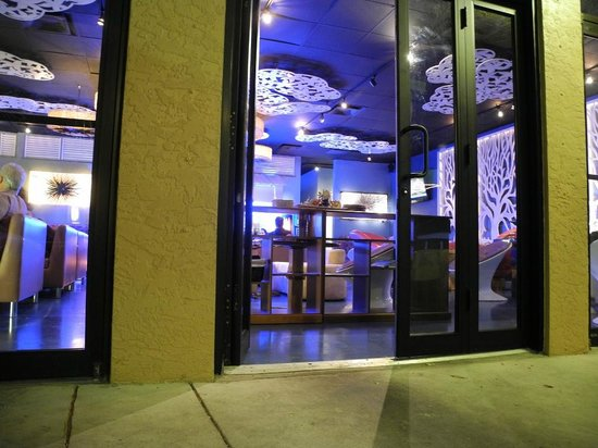 Sushi-Thai of Naples: Loungearea