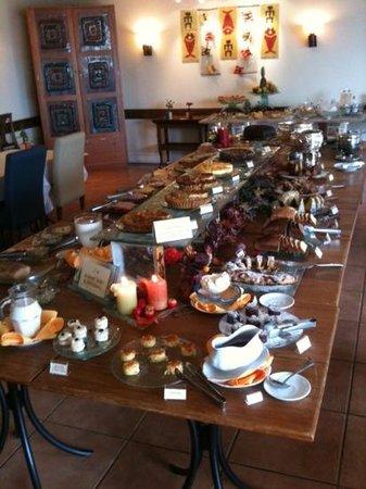 Boutique Hotel Varanda das Bromelias: cafe da manha