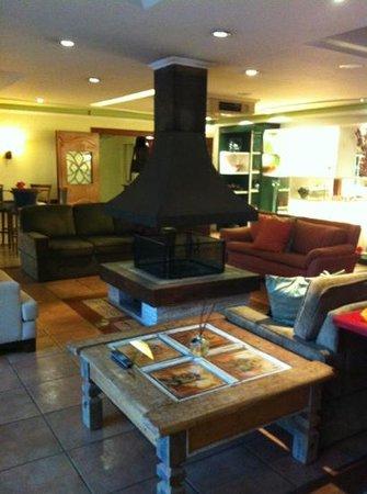 Boutique Hotel Varanda das Bromelias: sala de estar do hotel