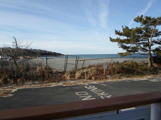 Sea Crest Beach Hotel: Beach