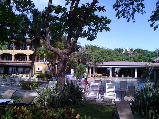 Hotel Tamarindo Diria: Der Pool beim Haupteingang