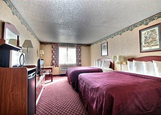 Quality Inn Mineral Point: guest room