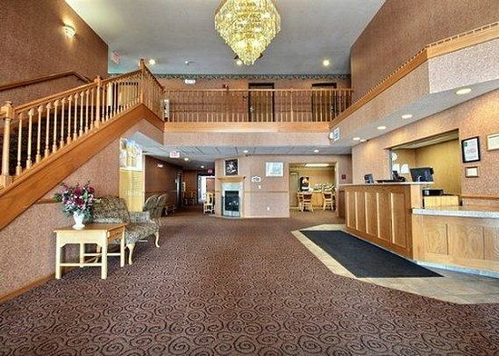 Quality Inn Mineral Point: lobby