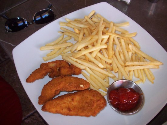 Sr. Sweets Bistro : chicken and fries