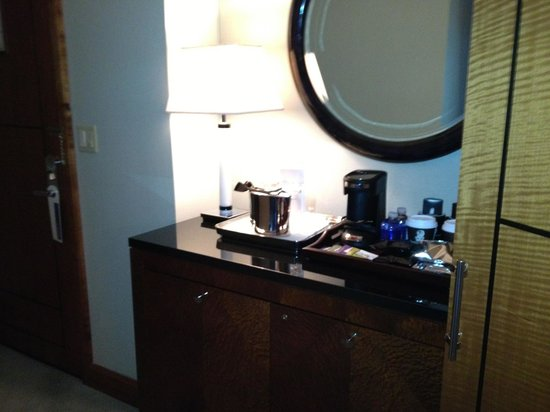 The Ritz-Carlton, Westchester: Coffee area