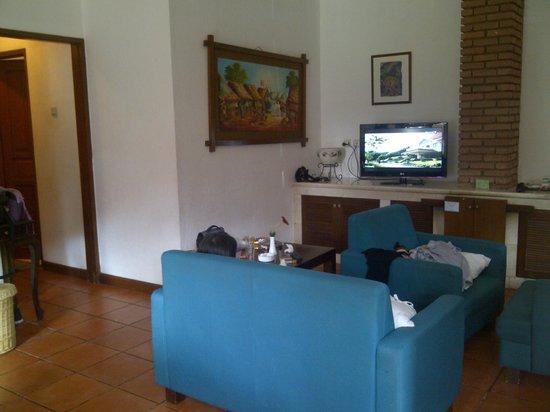 Puncak Pass Resort: living room