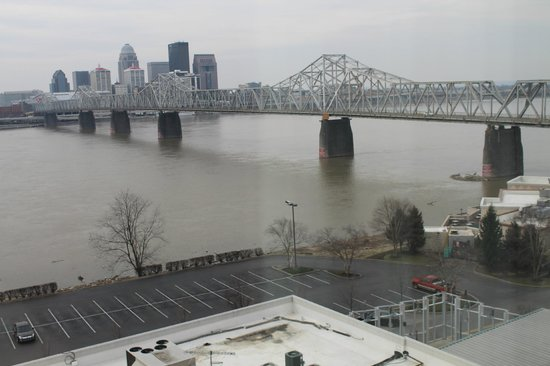 Sheraton Louisville Riverside Hotel: veiw from room 900