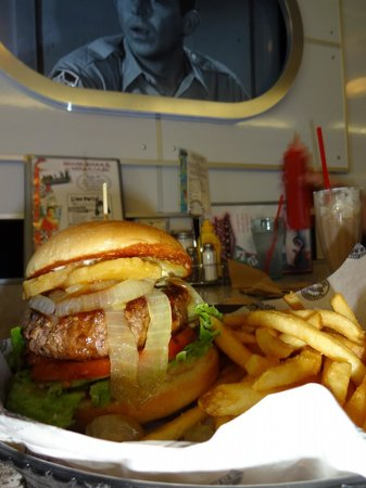 Corvette Diner: Hawaii 5-0 Burger - pineapple, grilled onions