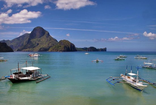 El Nido Waterfront Hotel: Breath-taking view from the balcony