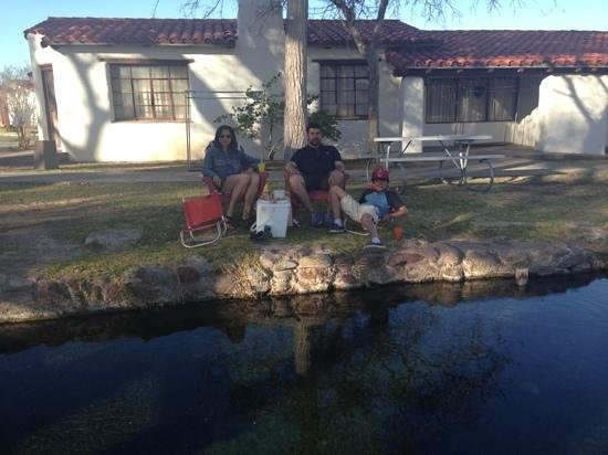 Balmorhea State Park: picnic in front of cabin 18
