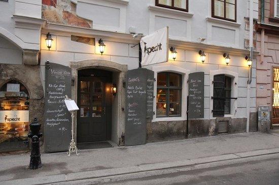 Specht in vienna picture of specht restaurant bar for Austrian cuisine vienna