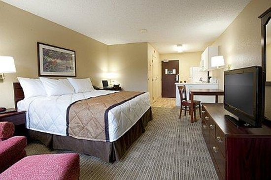 Extended Stay America - Union City - Dyer St.: King Studio