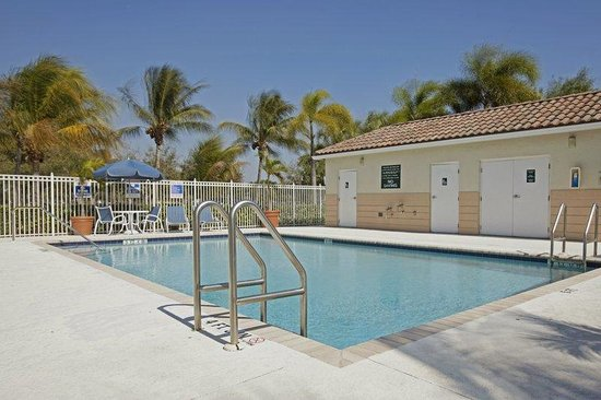Extended Stay America - Union City - Dyer St.: Swimming Pool
