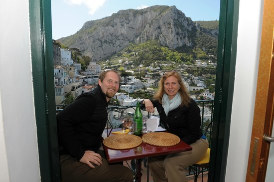 Pulalli Wine Bar: Most romantic table in the world
