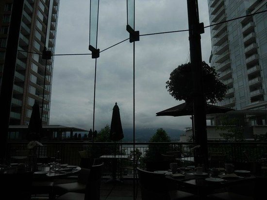 Pinnacle Hotel Vancouver Harbourfront:                   Cafe