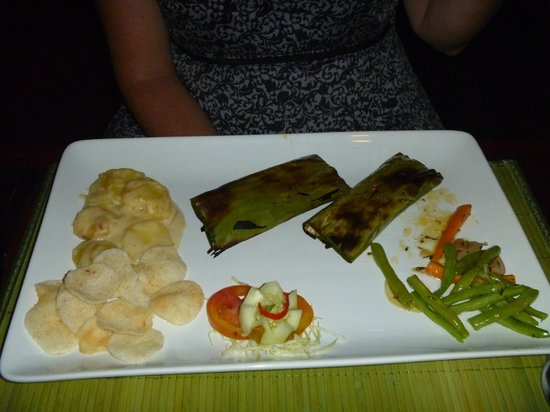 Samanvaya: Fish parcels in Banana Leaf