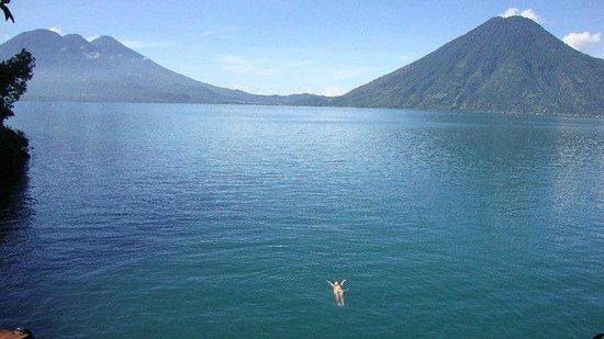 Lomas de Tzununa: A incrível vista em um mergulho mágico no Lago Atitlán
