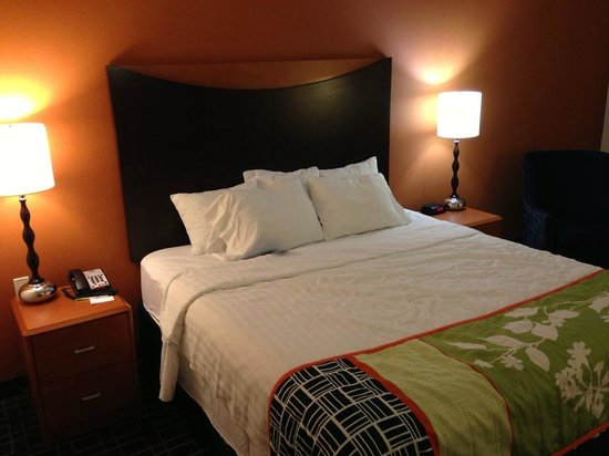 Fairfield Inn & Suites by Marriott Cookeville: King bed