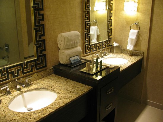 Delicieux Hilton Anatole: A Very Nice Bathroom