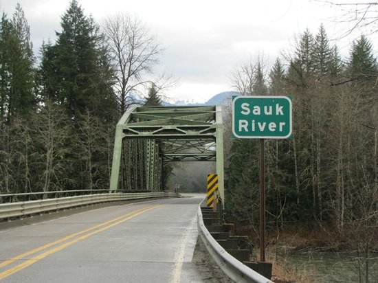 North Cascades Highway: Sauk River crossing