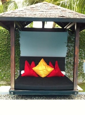 Kembali Villas: The day bed!