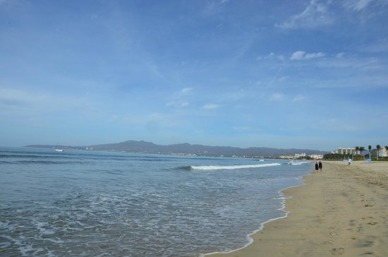 Dreams Villamagna Nuevo Vallarta: Endless beach to walk on and enjoy!