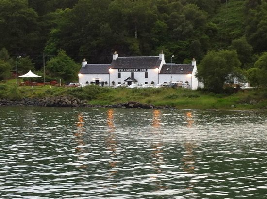 Shieling Holidays: Craignure Inn nearby