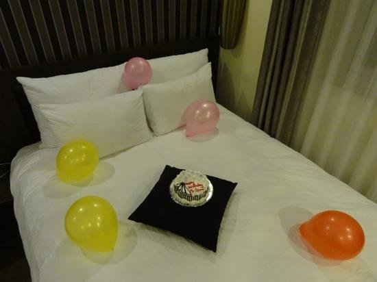 Art Trendy Hotel: A birthday surprise from the wonderful staff.