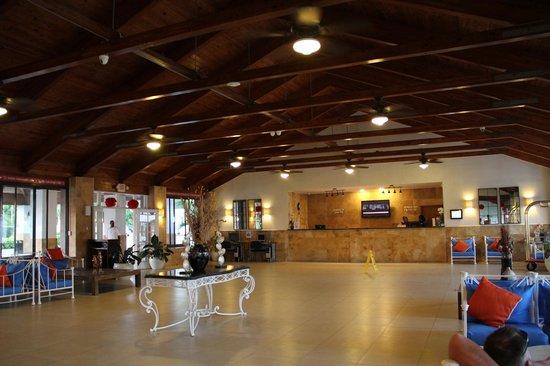 Viva Wyndham Fortuna Beach: lobby