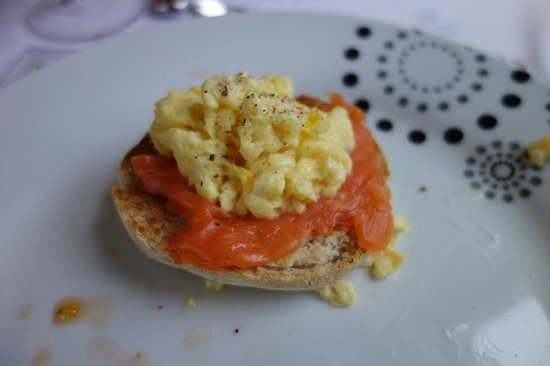 Ard-na-said: Smoked Salmon with Egg