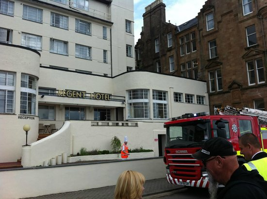 Regent Hotel: The showers can set off the fire alarms... CLOSE THE DOOR !