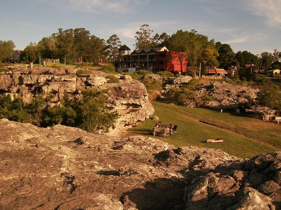 Sierra de los Padres, Argentina:                   Rocas alrededor de la Gruta