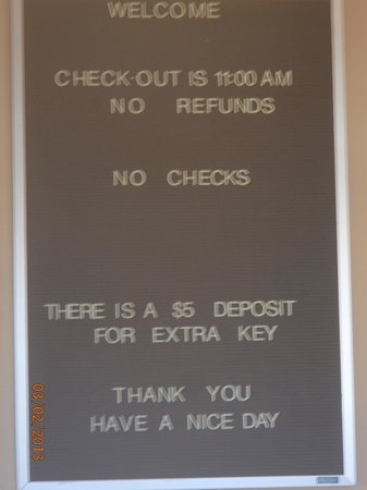Chippewa Motel: Sign in Lobby